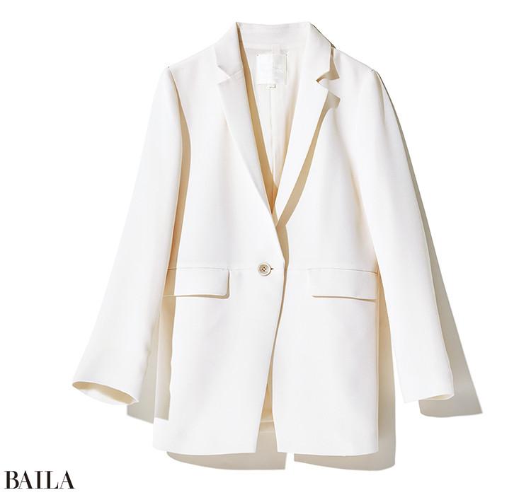 清潔感と明るさを両立白ジャケット