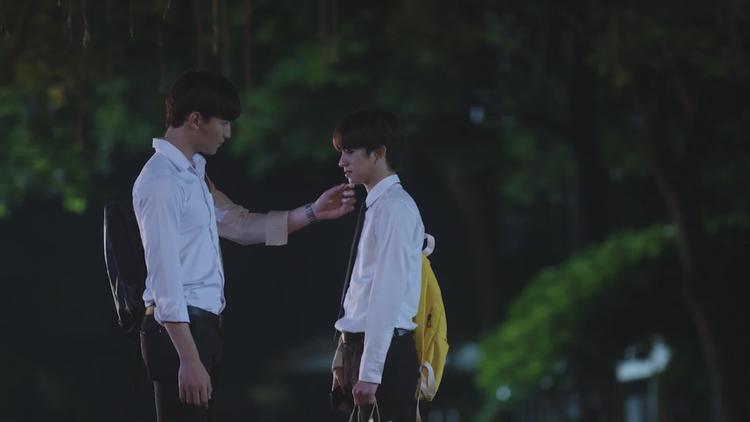 『Until We Meet Again ~運命の赤い糸~』ディーン(右)とパーム(左)