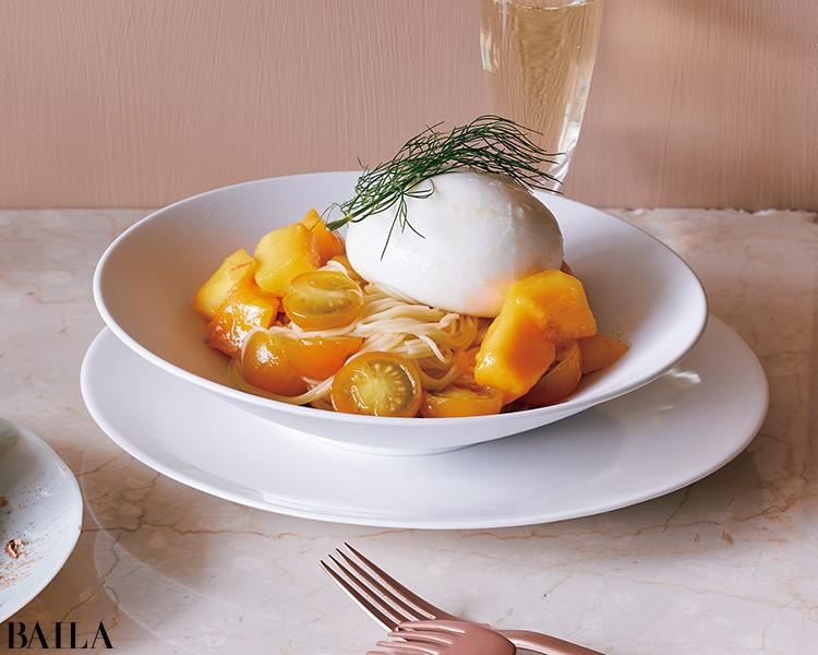 ブッラータとマンゴーの冷たいパスタ