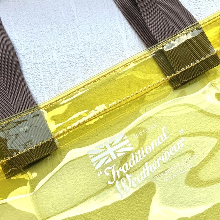 ドゥーズィエム クラスの春色グレージュミニ財布。