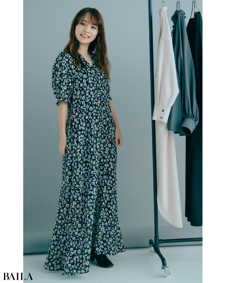 styling/ フラワープリントロングワンピースコーデの藤田さん