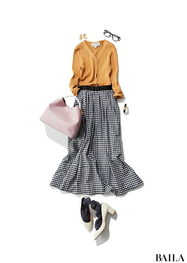 メガネ通勤の日は、女っぽいカーデで甘めのフレアスカートコーデ♡【2019/6/4のコーデ】_1