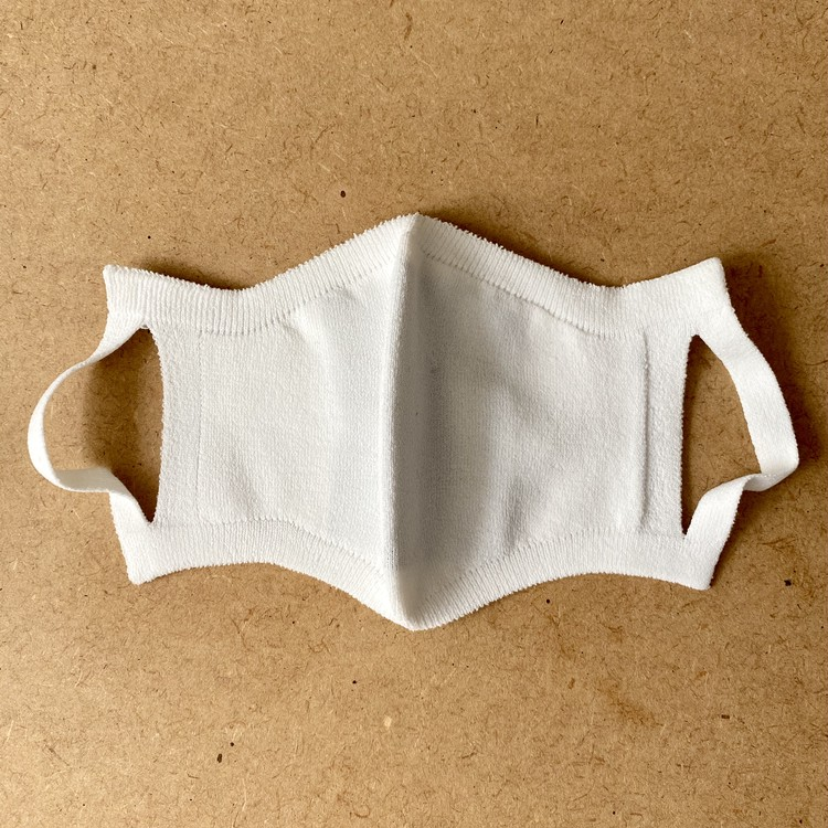 1.クロスイットオフ「銅の力で抗菌! 保湿する防臭和紙マスク」