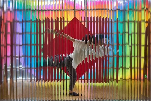 ジュリオ・ル・パルクの日本初個展「Les Couleurs en Jeu ル・パルクの色 遊びと企て」銀座メゾンエルメス フォーラムで開催