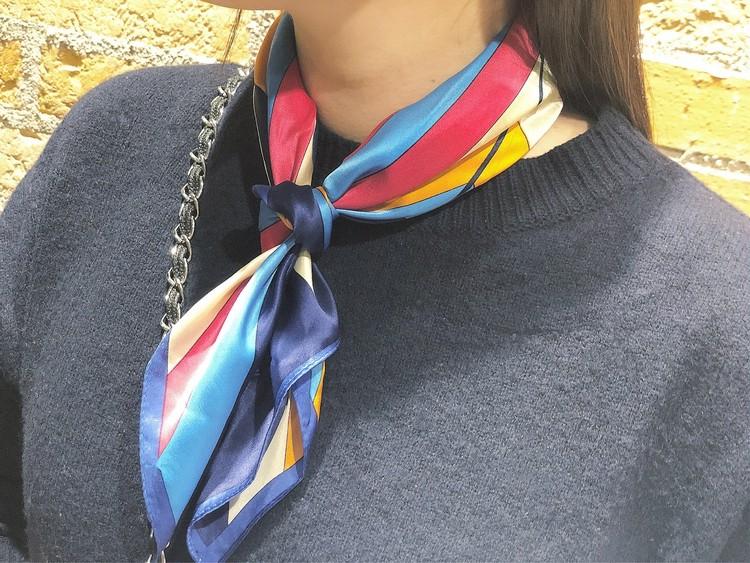 Uniqlo U新作 春のくすみカラーパンツ+スカーフコーデ_3