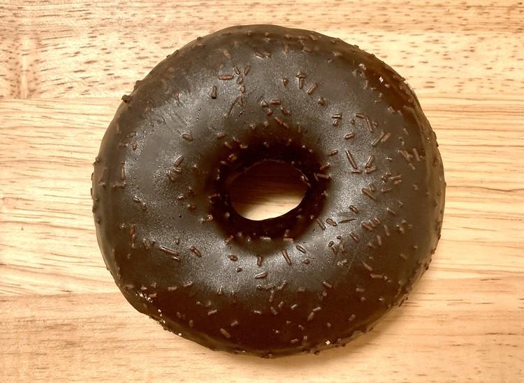 チョコレートクリームドーナツの外観
