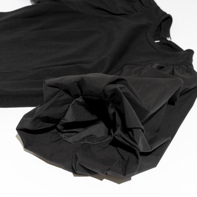 FRAY I.D(フレイアイディー)袖コントップスの袖部分