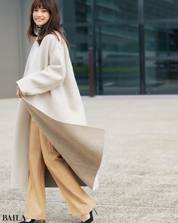 淡色リバーコートはワントーンでまとめて