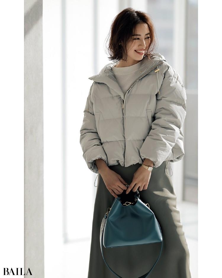 冬の寒色系バッグは、ニュアンスターコイズがおすすめ