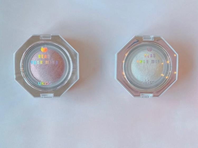 中国コスメ「ukiss」(ユーキス)の「ダイヤモンドハイライト ゴールドパール」と「ダイヤモンドハイライト ピンクパール」