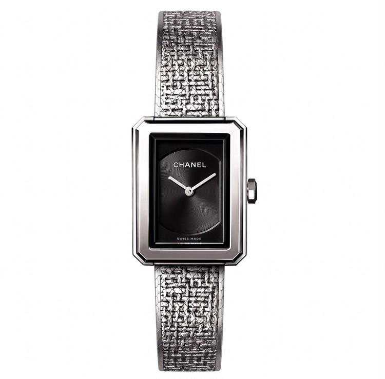 スクエアフェイスの腕時計と、美しく歳を重ねたい【30代からの名品・愛されブランドのタイムレスピース Vol.12】_1
