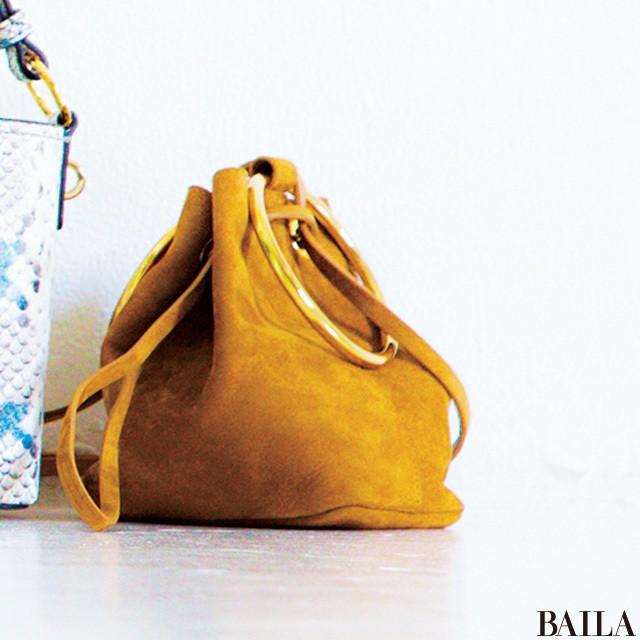 なぜ? この夏【レザー巾着バッグ】が働く30代女子に圧倒的人気の理由_2_1