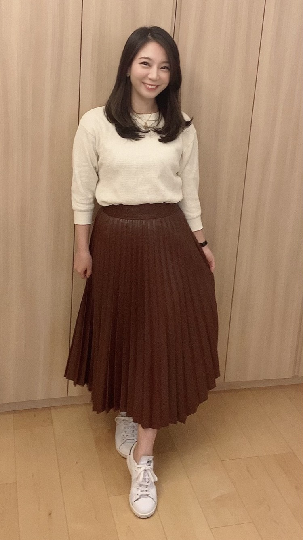 ZARAレザー風プリーツスカート