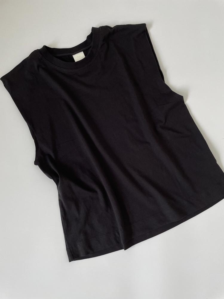 H&MノースリTシャツ全体