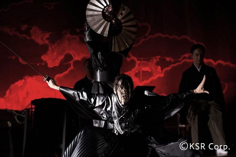中村壱太郎×尾上右近のアート歌舞伎の一場面