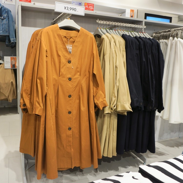 【GU(ジーユー)】渋谷店で30代女子に人気の通勤服(2WAYワンピース)