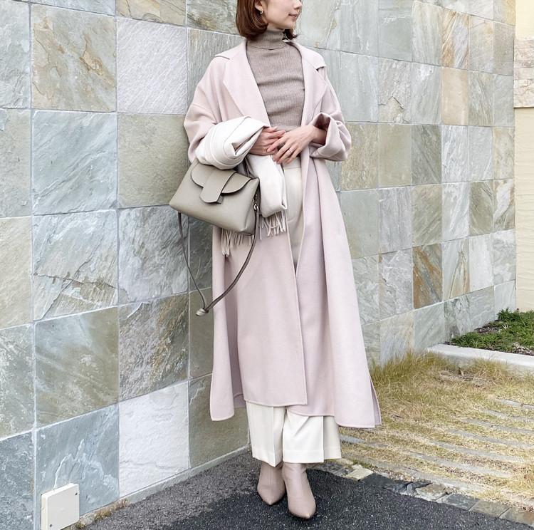 冬は「淡トーンコーデ」が女っぽ可愛い♡_1