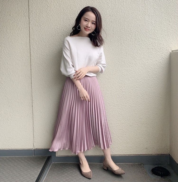 【#プリーツスカート】春を先取り!くすみピンクの大人かわいいコーデ_2