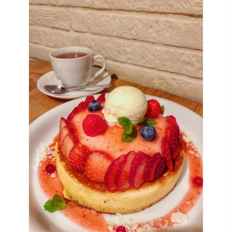 苺づくしパンケーキ♡隠れ家恵比寿カフェごはん_5