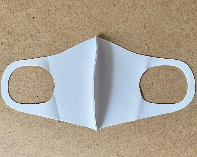 「デザイナーズパックマスク ANYe(エニー)」は特殊なキシリトール加工