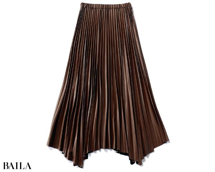 サクラのフェイクレザープリーツスカート