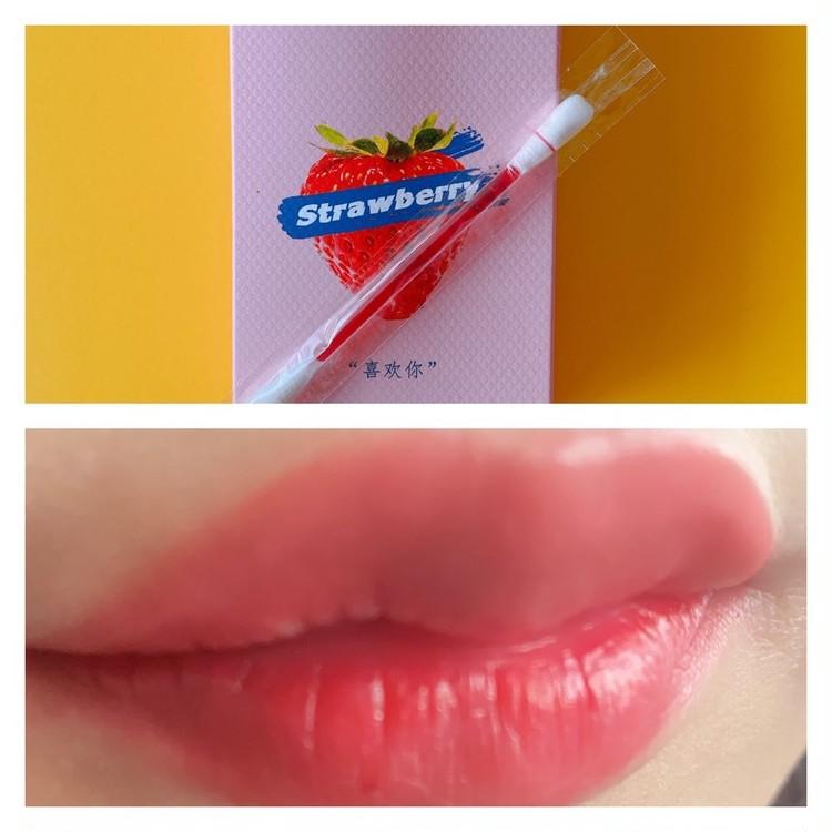 中国コスメ「FOMOMY」(フォーモミー)の「シガレットリキッドティント」ストロベリーを実際に唇に塗って試してみた
