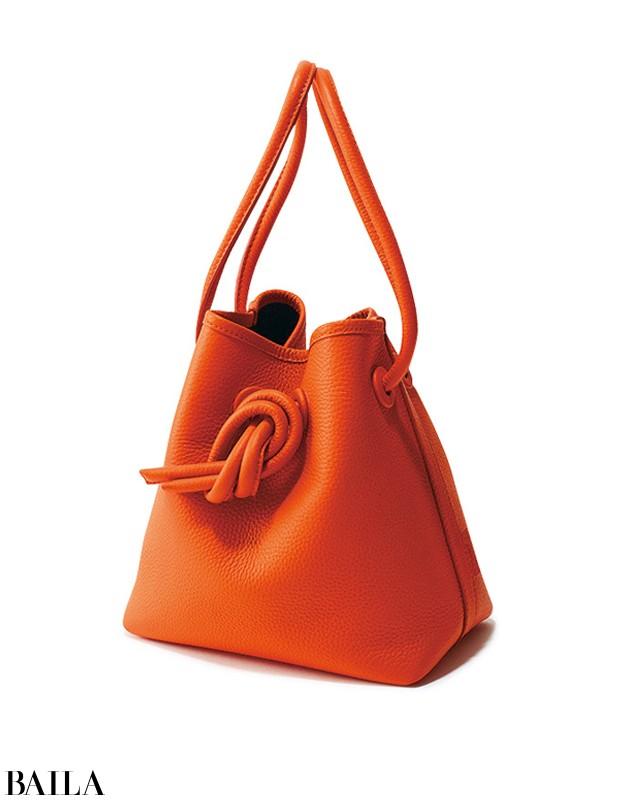【黒バッグばっかり持ってる症候群】の30代女子がこの秋買うべき2大バッグ_1_4