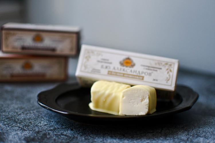 【カルディで販売されている「スィローク」】ロシア プレミアムチーズ ホワイトチョココーティング