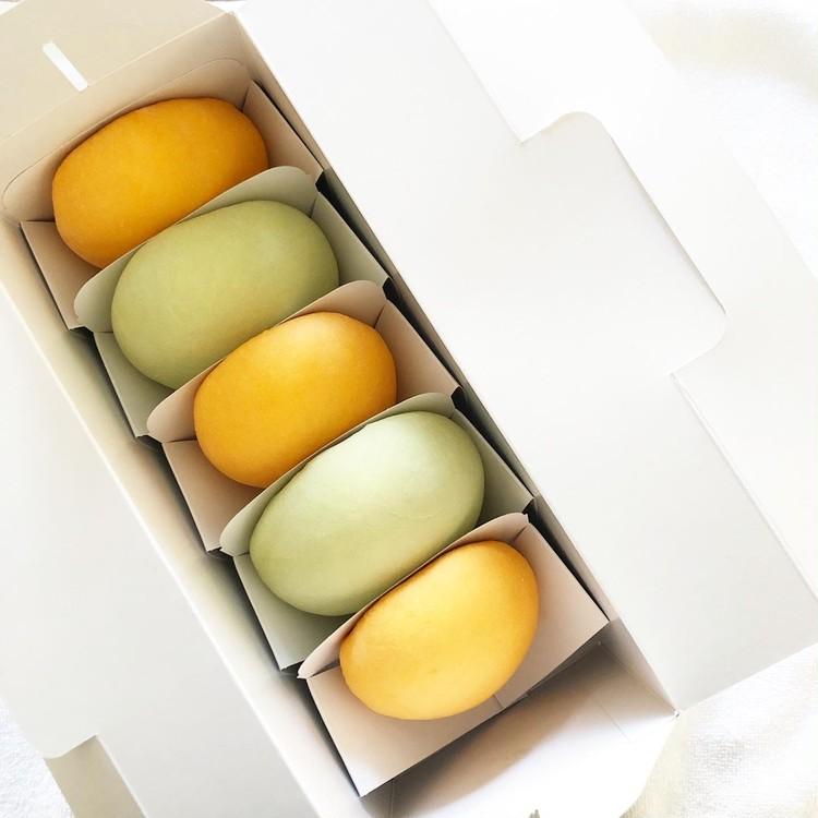 新宿高野本店のとろ〜りクリームメロンパン