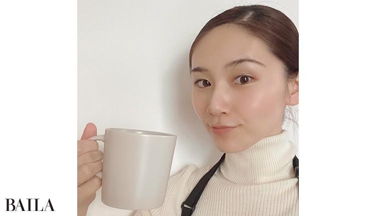 「本業はカフェで店長を。 配信でコーヒーのいれ 方を実演することも。 知らない人が見てくだ さるからこそ話せるこ とも多いんです」