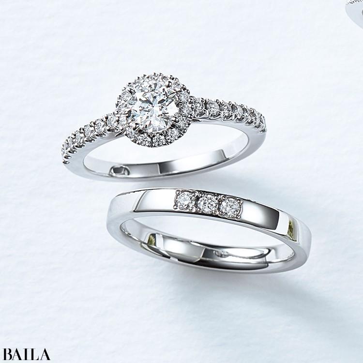 センターダイヤをメレダイヤで囲んだ麗しい輝きの新作エンゲージリング