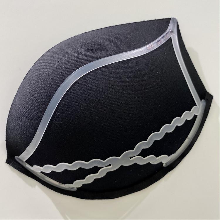 【ユニクロ(UNIQLO)】新作「ワイヤレスブラ シェイプリフト」胸も気分もキュッとアガるラクちんブラジャー リフトアップ構造