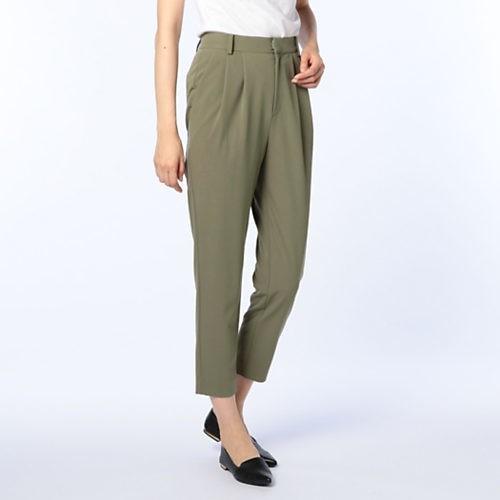 腰高パンツなら、ワントーンの配色でも美ボディスタイルに!_6