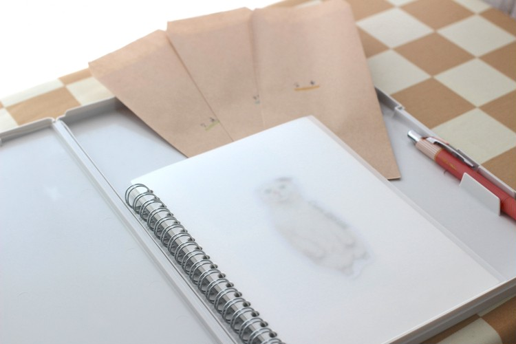 無印良品のクリップボードと家計簿セット