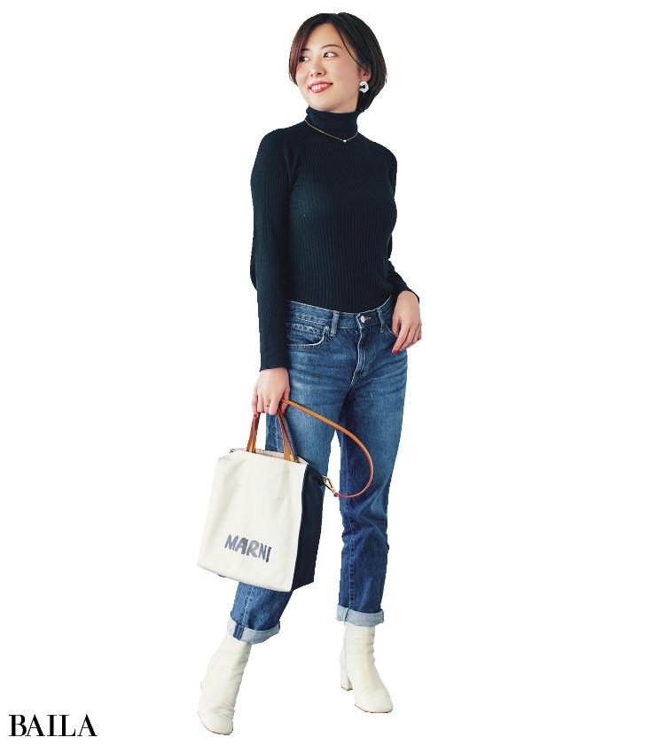 太田 冴 さん  バッグはお洒落好きな母からのプレゼント。香水は好きすぎて3本目をリピート中