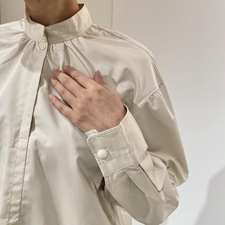 コットンサテンスタンドカラーシャツ