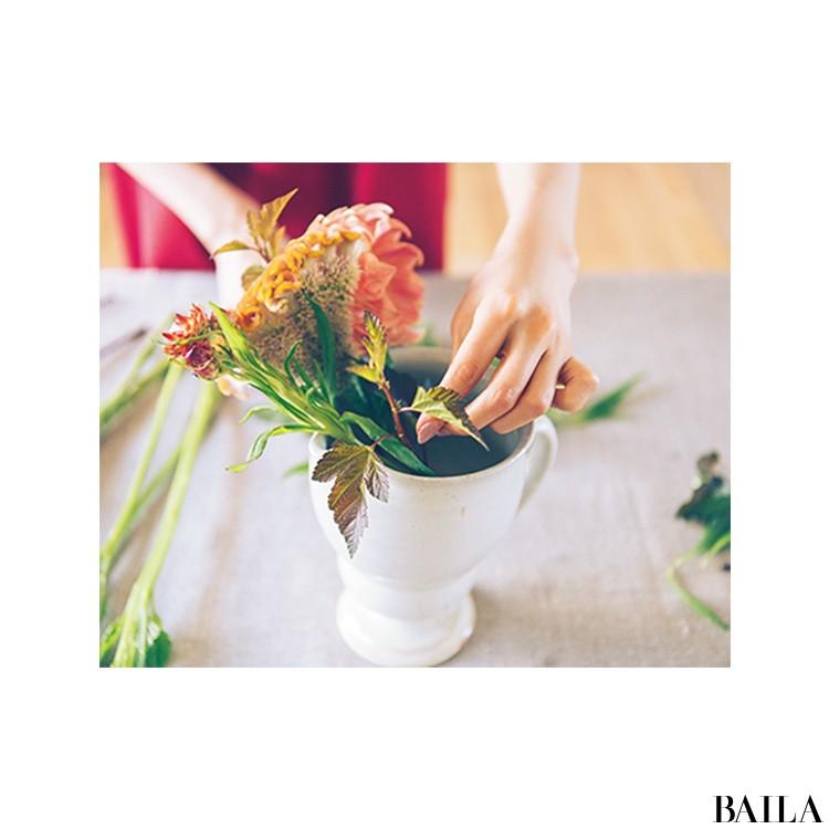 秋を呼び込む花・ケイトウを大人っぽく飾る【カトパンのあえて小さく飾る花レッスン】_4
