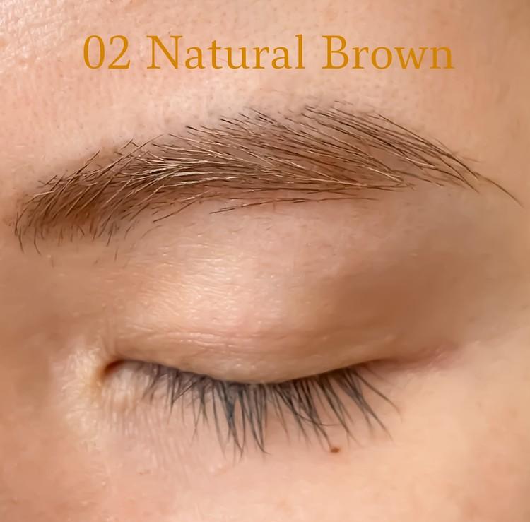 02はほんのりオレンジみのあるナチュラルブラウン。