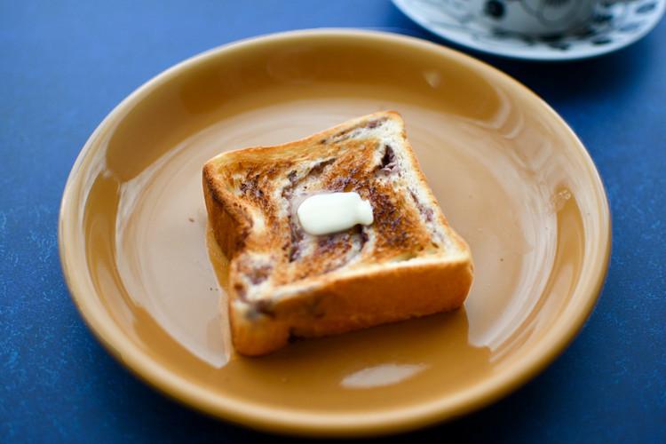 セブンイレブンのおすすめ食パン「あんバターブレッド」は焼くと風味アップ!