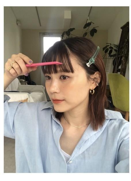 STEP6/前髪をコームで整える