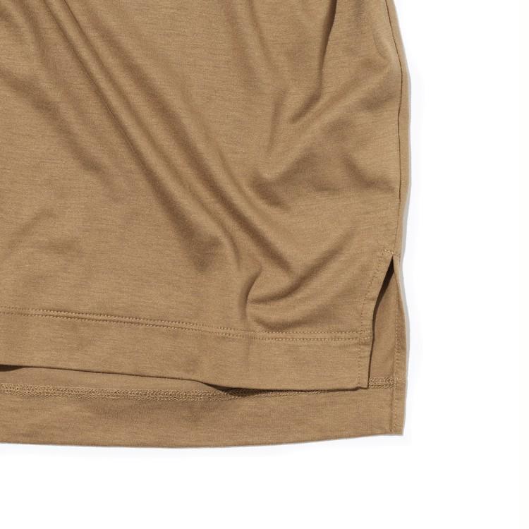 PLST(プラステ)のリヨセルコットンTシャツの裾部分