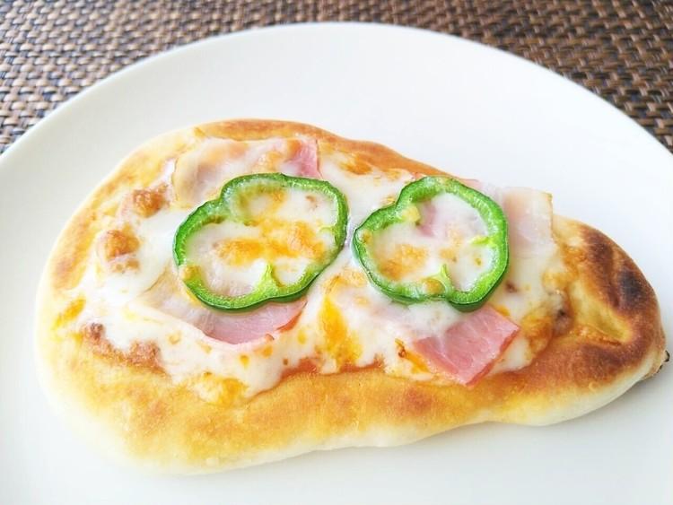 ピザにアレンジしたナン