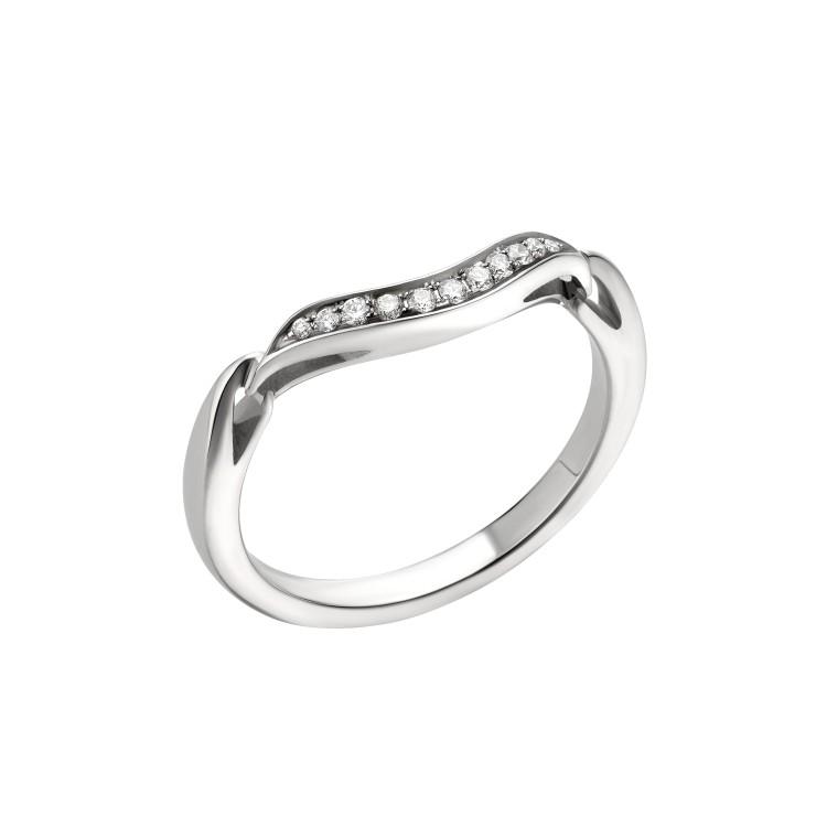 「インコントロ ダモーレ」マリッジリング(Pt×ダイヤモンド)¥268000/ ブルガリ ジャパン