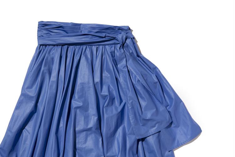 【フレイアイディー(FRAY I.D)】春新作のギャザーフレアスカートのウエストリボンの結び方・サイド