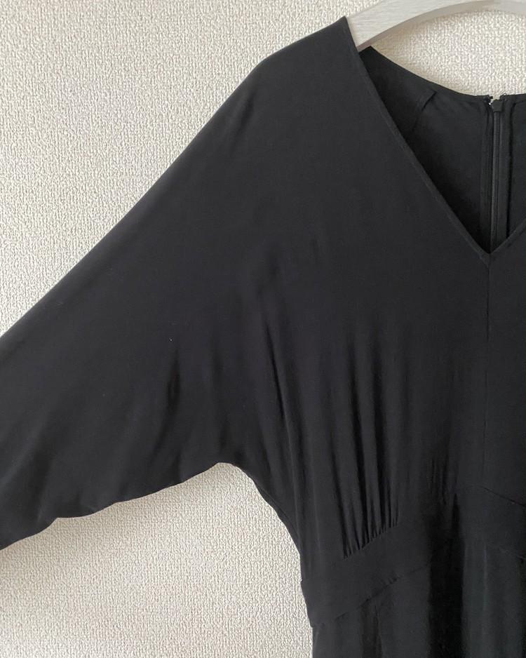ユニクロセオリーコラボワンピース 袖画像