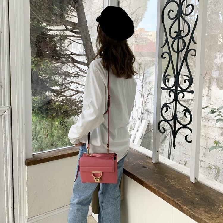 コーデを格上げ!「きれい色」ミニバッグは春の必需品。_5