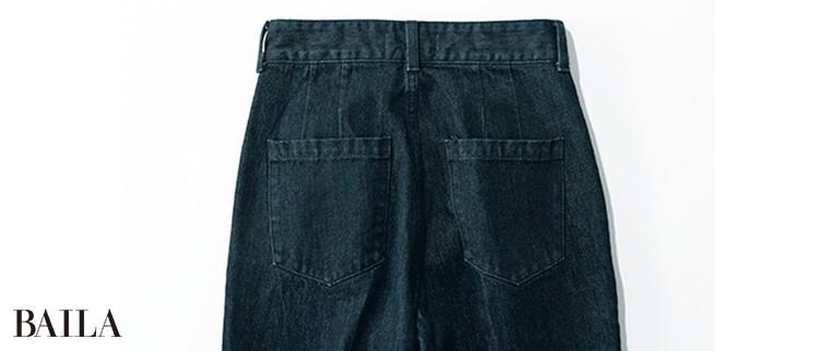 ポケットの上の縦線でヒップを立体的に