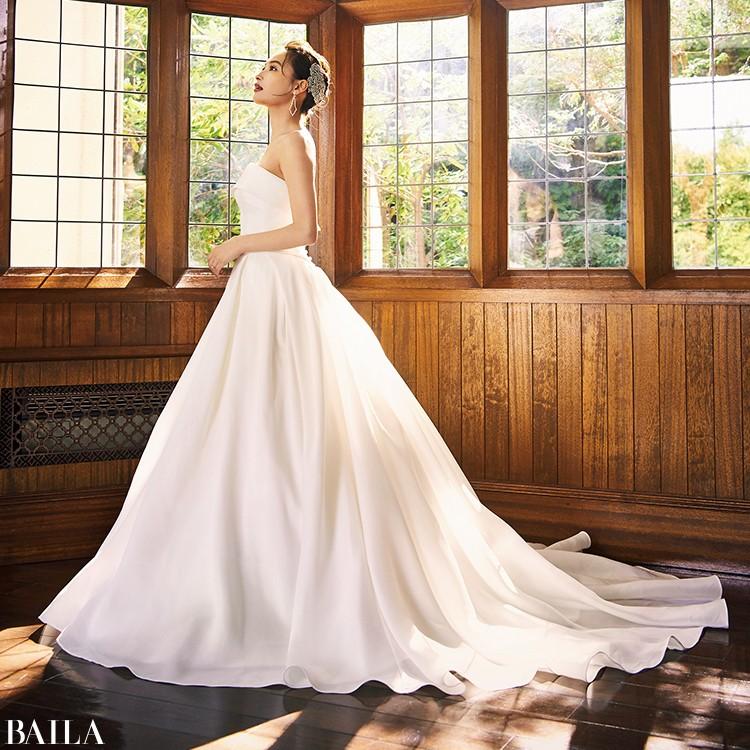 【ウェディングドレスまとめ】大人のあか抜けフェミニンウェディングをかなえる最新ウェディングドレス♡_7