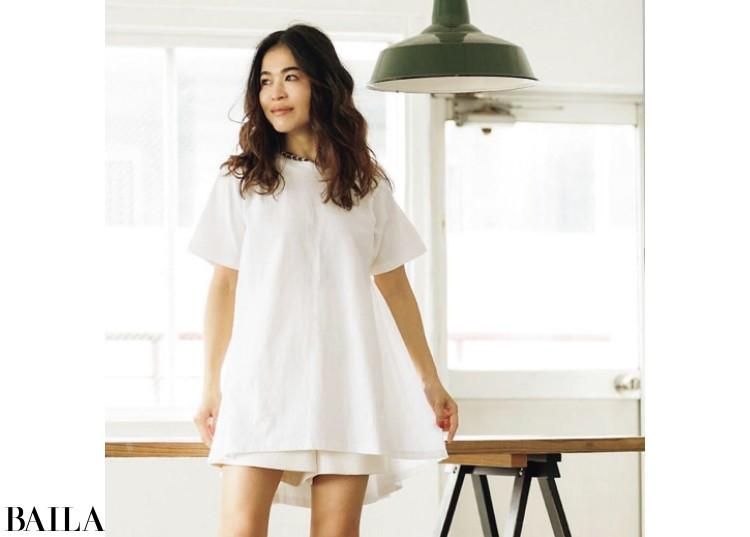 Aラインシルエットの「titivate」のTシャツ
