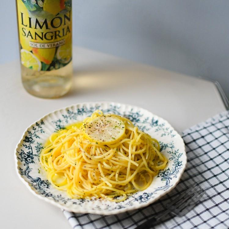 【カルディ】クリーム塩レモンパスタソースを使ったレモンパスタ